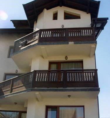 GUEST HOUSE PIRINA - фото 4