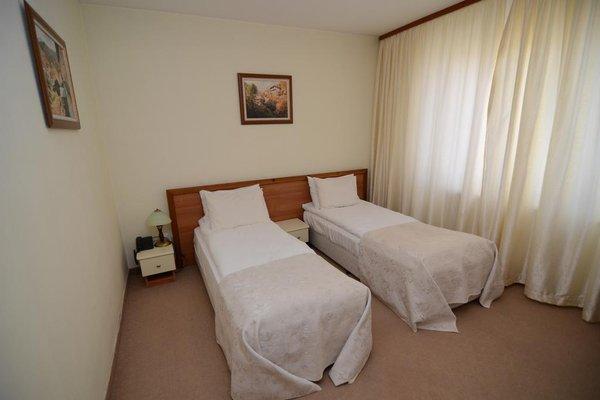 Family Hotel Lazur - фото 2