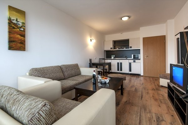 Grand Royale Apartment Complex & Spa - фото 6