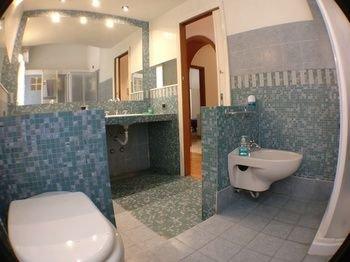 Avitabile's Guest House - фото 10