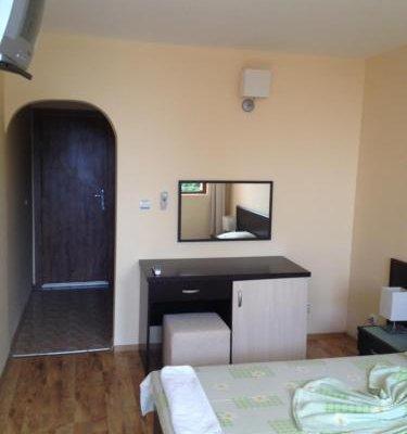 Enigma Hotel - фото 2