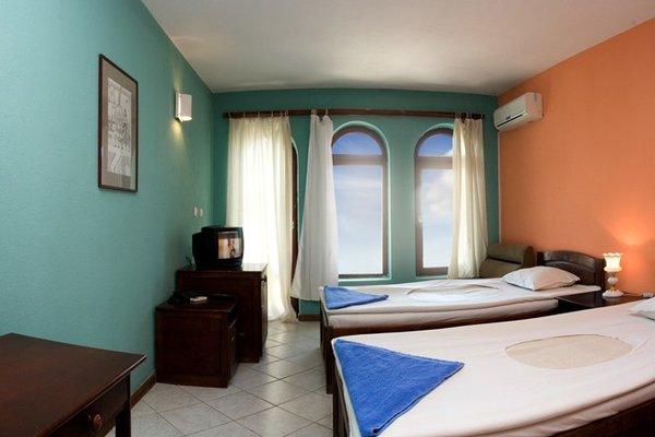 Отель Два Петуха - фото 1