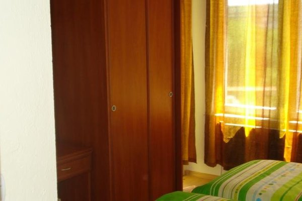 WHITE ROSE HOTEL - фото 3