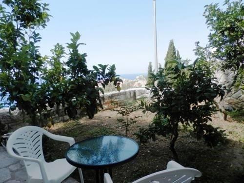 Sea View Apartments - фото 22