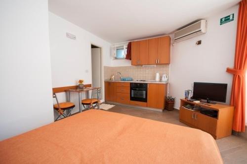 Apartment Lena - фото 1