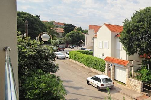 Apartments Floki - фото 1