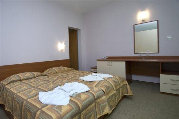 Ivana Palace Hotel - фото 4