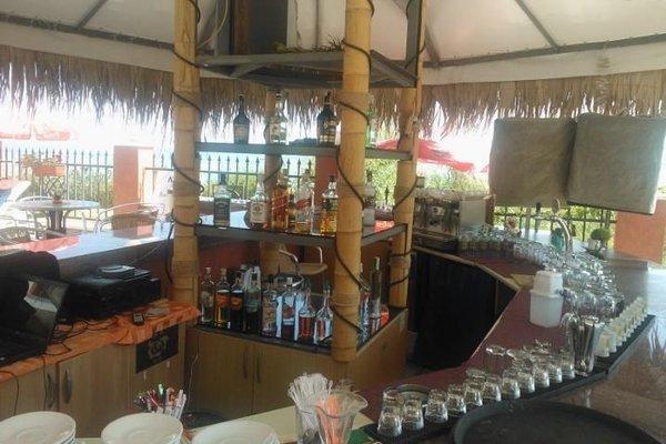 Carina Beach Aparthotel - Free Private Beach - фото 14