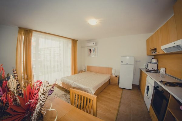 Green Fort Noks Apartments - фото 4