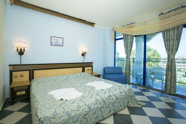 Chaika Beach & Spa Hotel - фото 1