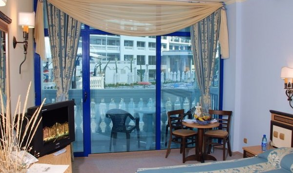 Chaika Beach & Spa Hotel - фото 11
