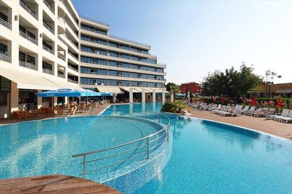 Hotel Globus - Halfboard - фото 17