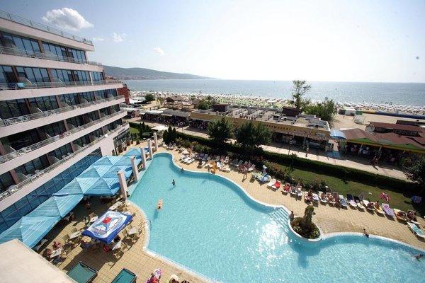 Hotel Globus - Halfboard - фото 18