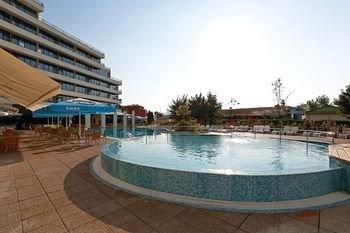 Hotel Globus - Halfboard - фото 19