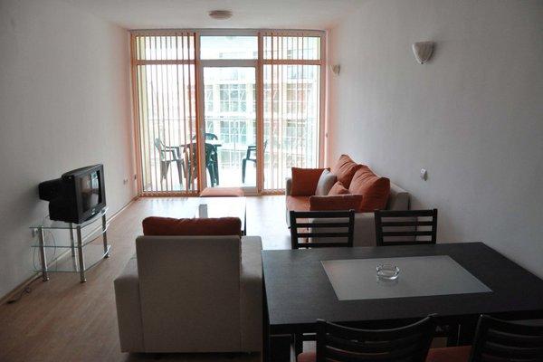 Sunny Holiday Apartments - фото 7
