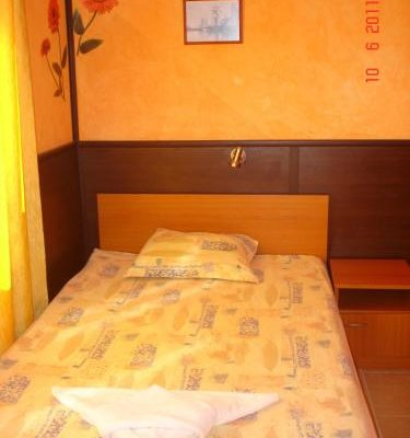 Семейный отель Друзья - фото 3