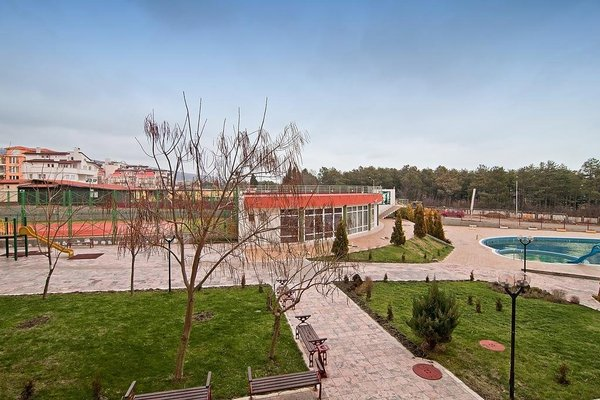 Green Fort Apartments - фото 12