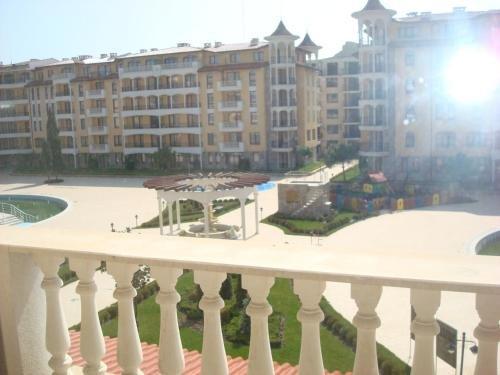 PMG Royal Sun Apartments - фото 9