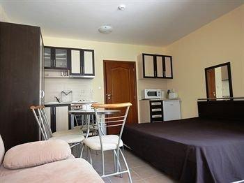Summer Dreams Apartments - фото 11