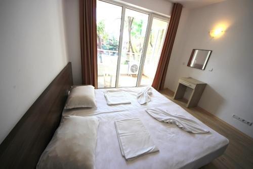 Menada Zornitsa Apartments - фото 1