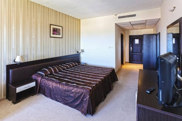 Menada Forum Apartments - фото 8