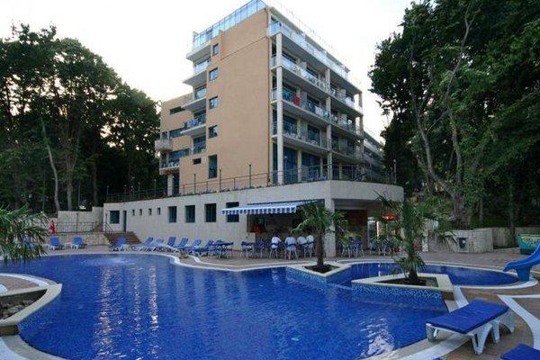Holiday Park Hotel - фото 23