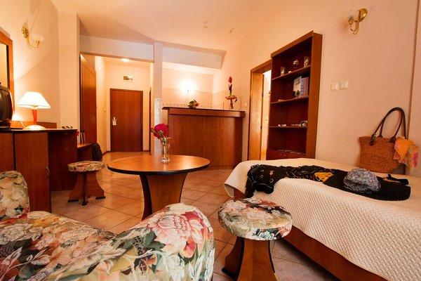 Ljuljak Hotel - фото 1