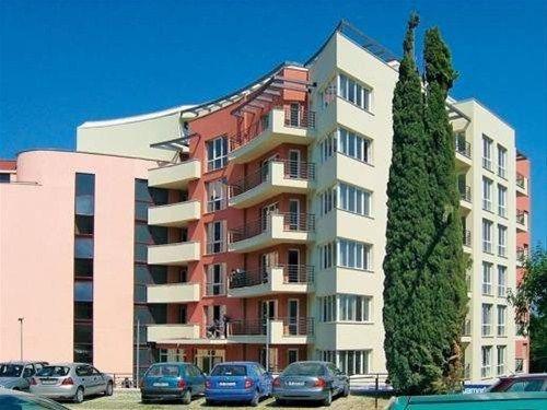 Aquamarine Apartments - фото 1