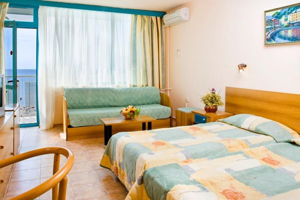 Отель Компас - фото 1