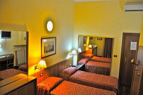 Hotel Vecchia Milano - фото 1