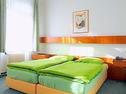 Гостиница «Karolinenhof», Вена