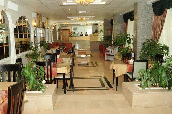 Liwa Plaza Hotel Apartments - фото 11