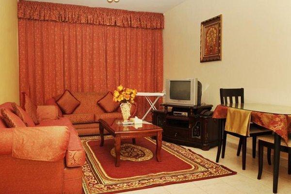 Liwa Plaza Hotel Apartments - фото 14