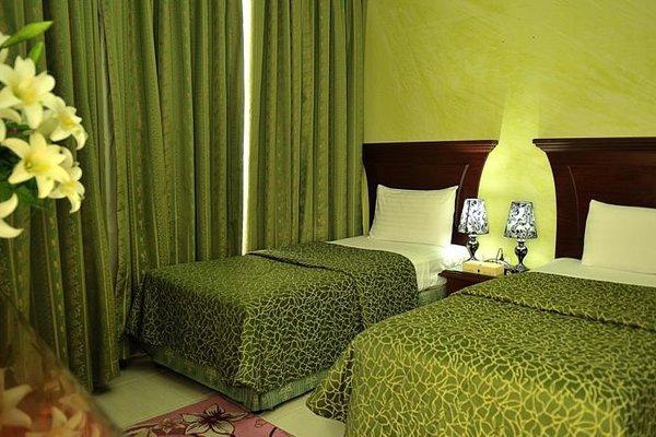 Liwa Plaza Hotel Apartments - фото 2
