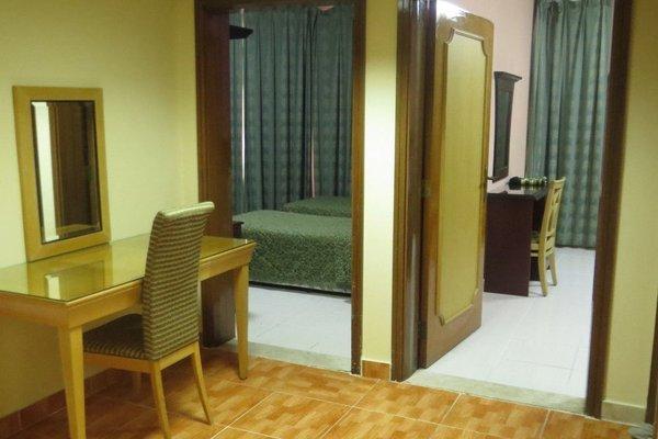 Liwa Plaza Hotel Apartments - фото 4