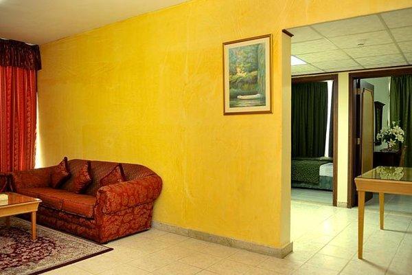 Liwa Plaza Hotel Apartments - фото 8