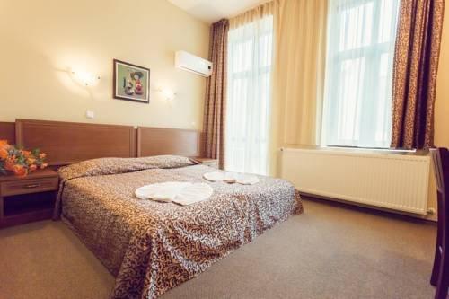 Hotel Varosha - фото 1