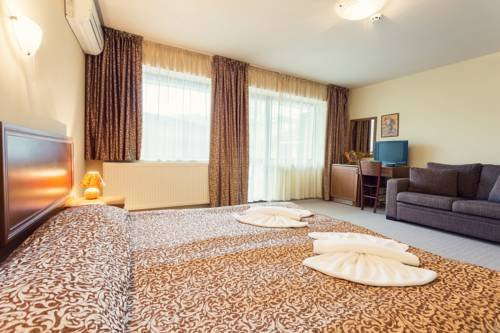 Hotel Varosha - фото 2