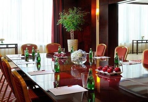 Marriott Executive Apartments Manama, Bahrain - фото 10