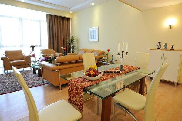 One Juffair Luxury Serviced Apartments - фото 2