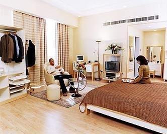 One Juffair Luxury Serviced Apartments - фото 3
