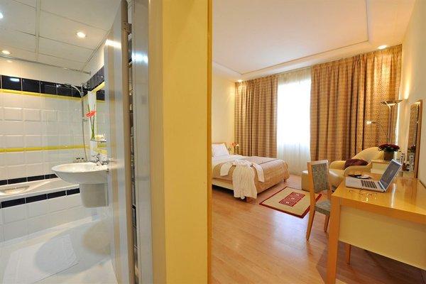 One Juffair Luxury Serviced Apartments - фото 4