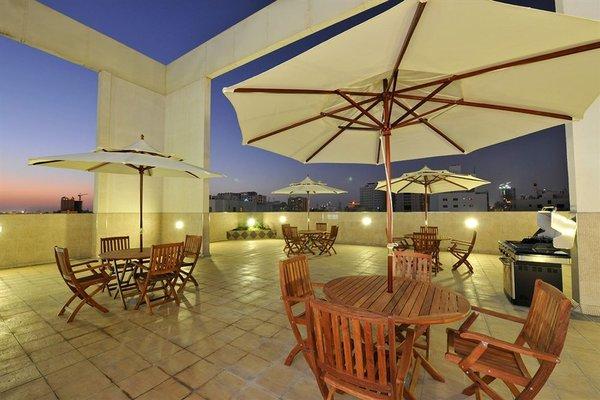 One Juffair Luxury Serviced Apartments - фото 7