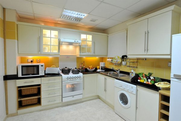 One Juffair Luxury Serviced Apartments - фото 8