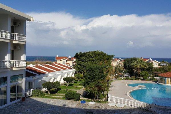 Гостиница «Sempati», Кирения