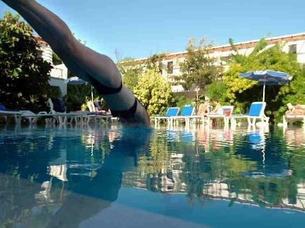 Гостиница «Club Z», Кирения