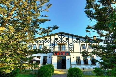 Гостиница «The Ship Inn», Кирения