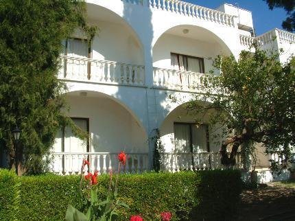 The Villa Club Hotel Kyrenia - фото 0