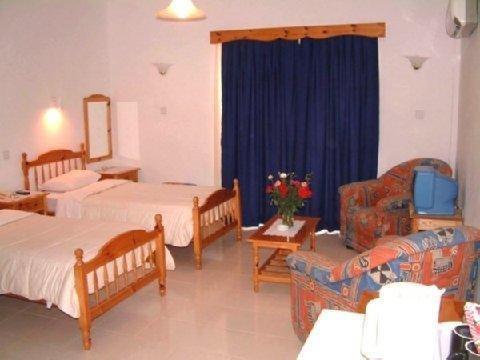 The Villa Club Hotel Kyrenia - фото 2