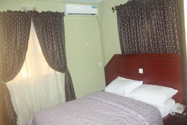 Oragon Hotel & Suites - фото 1